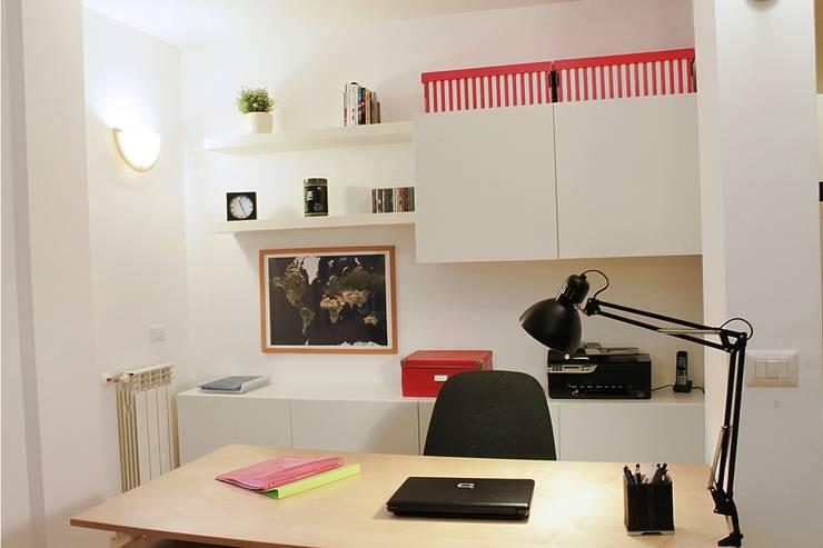 Angolo studio dopo: Studio in stile in stile Moderno di LET'S HOME