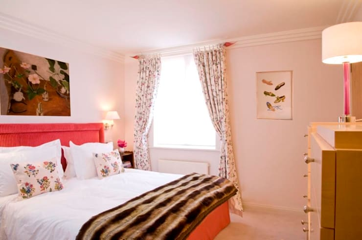 Master Bedroom with fabric walling:  Bedroom by Meltons