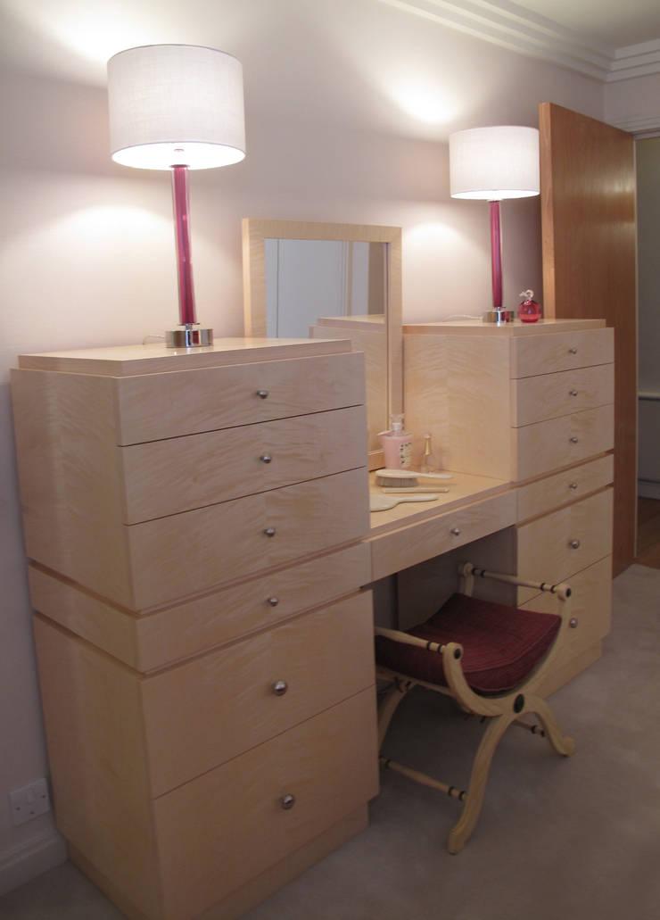 Bespoke Maple Dressing Table:  Bedroom by Meltons