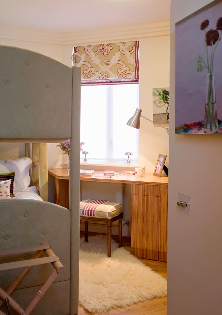 Bunk Bedroom for young teenage girls:  Nursery/kid's room by Meltons