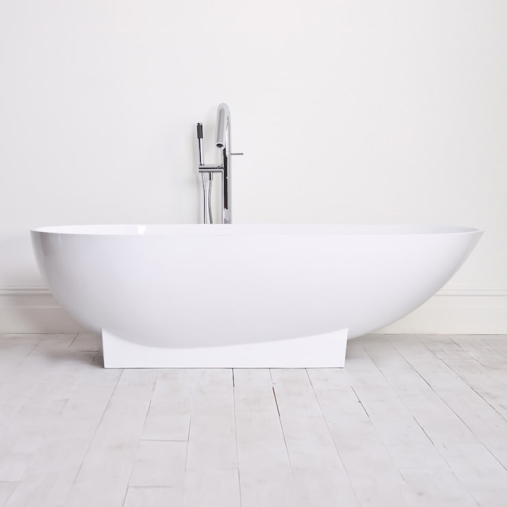 Lusso Stone cocoon Solid Stone Resin Freestanding Bath 1810:  Bathroom by Lusso Stone