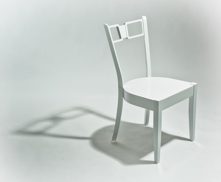 Krzesło z eleganckimi frezowaniami: styl , w kategorii Jadalnia zaprojektowany przez Marcin Skubisz Group
