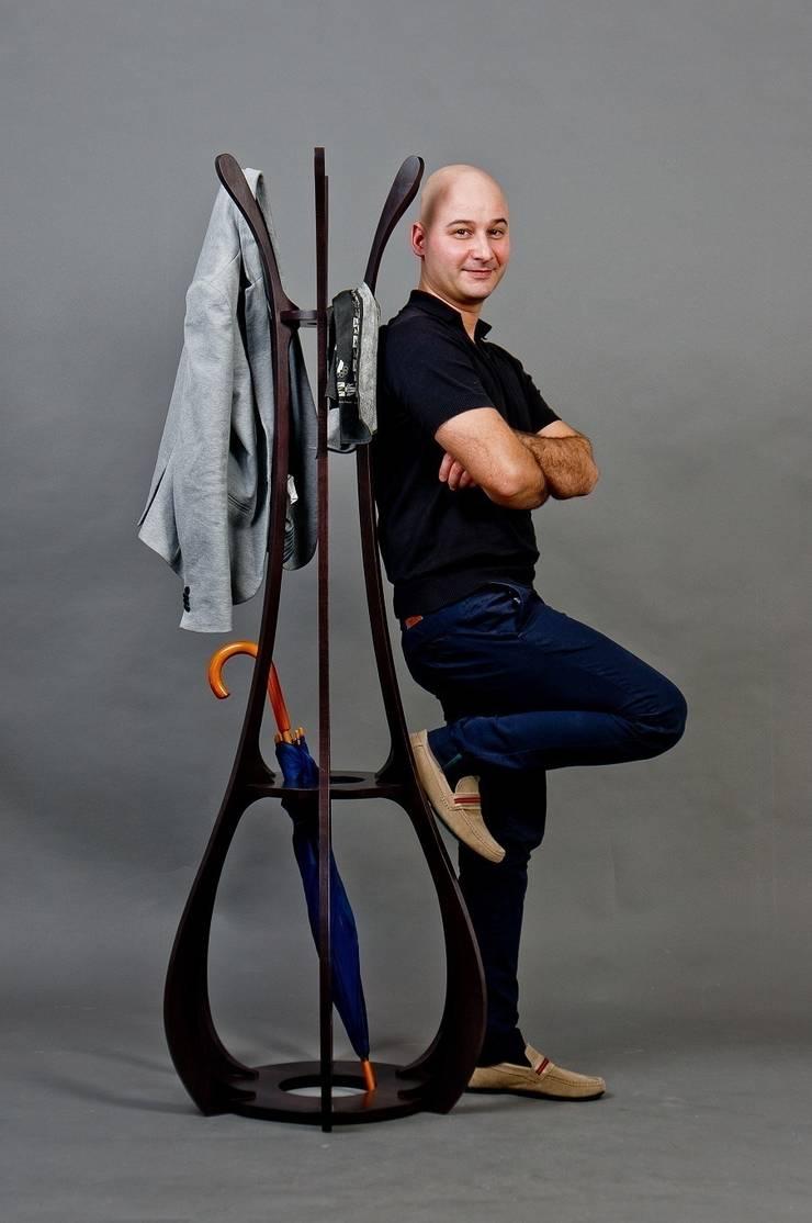 Smukły i lekki wieszak: styl , w kategorii Garderoba zaprojektowany przez Marcin Skubisz Group
