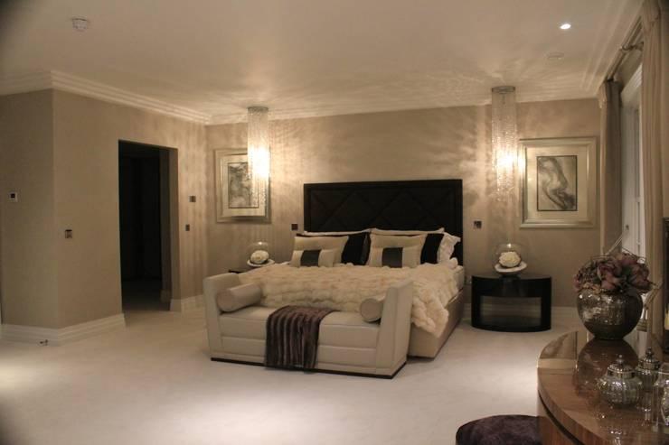 Dormitorios de estilo  por Flairlight Designs Ltd
