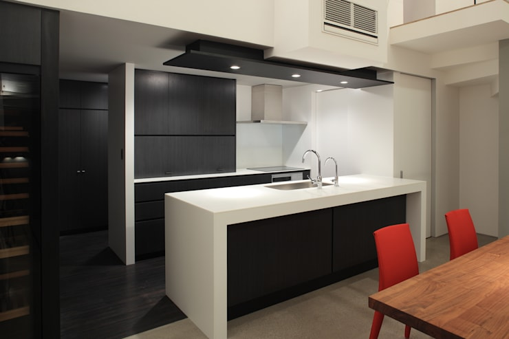 キッチン: Far East Design Laboが手掛けたキッチンです。