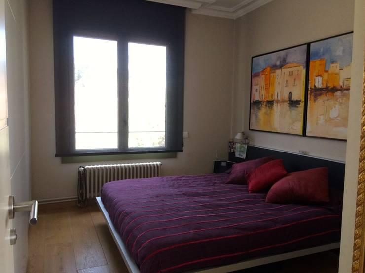 Dormitorio principal: Dormitorios de estilo  de ANA EMO INTERIORISMO