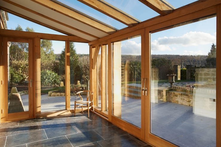 Oak framed conservatory / sun room:  Conservatory by Hart Design and Construction