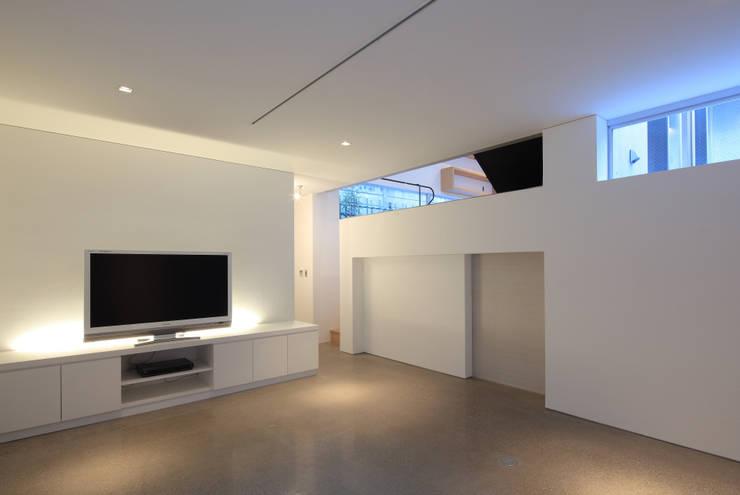 プライベートリビング: Far East Design Laboが手掛けたリビングです。
