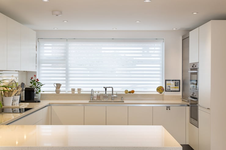 Hawtrey Road, NW3:  Kitchen by XUL Architecture