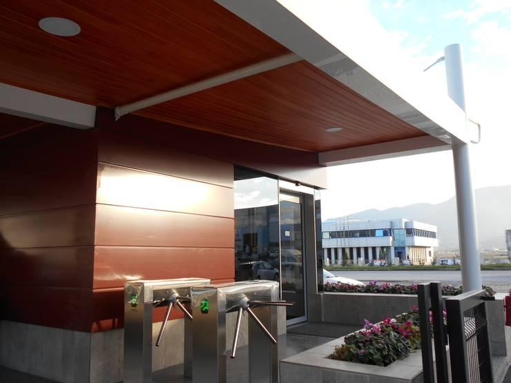 Etüd Mimarlık Müşavirlik İnş. San. Tic. Ltd. Şti.  – KANSAI ALTAN GİRİŞ BİNASI:  tarz Ofis Alanları, Modern