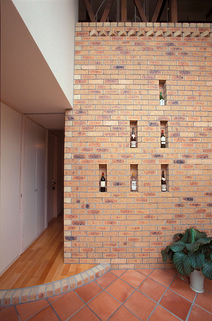 蓄熱壁: ジェイ石田アソシエイツが手掛けた壁です。,北欧