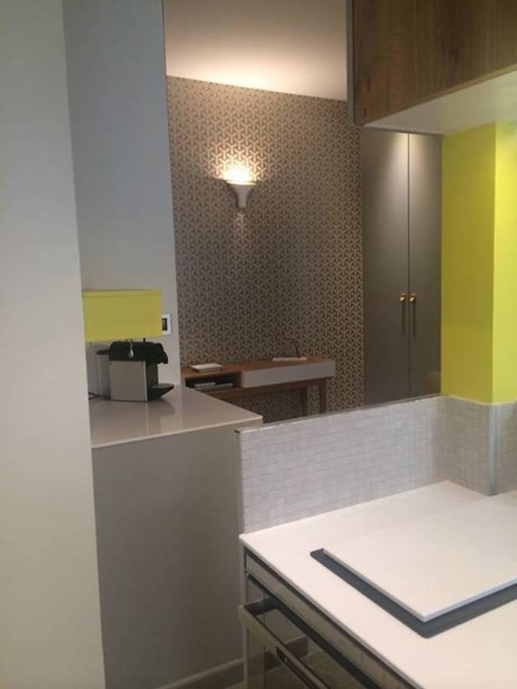 Rénovation d'un appartement à Lyon02/ Bellecour :  Kitchen by Pepper Butter