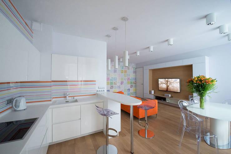 Яркий минимализм: Кухни в . Автор – D&T Architects