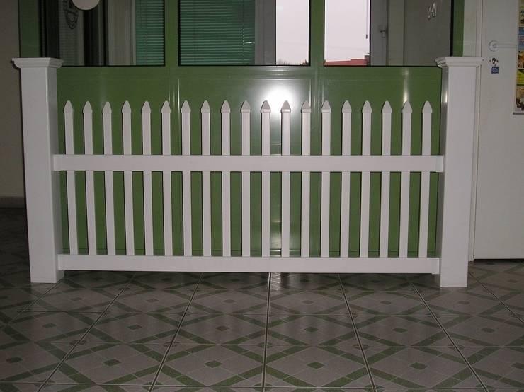Ogrodzenie proste 1: styl , w kategorii Ogród zaprojektowany przez Ogrodzenia PCV