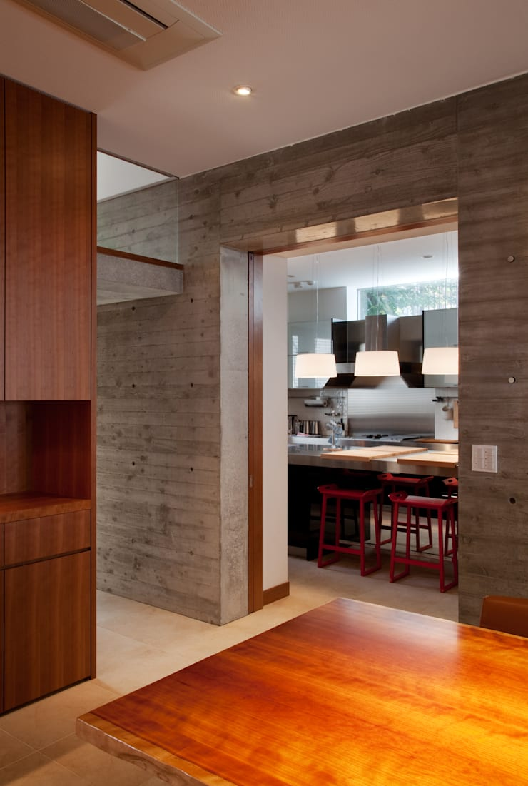 キッチン: 山崎壮一建築設計事務所が手掛けたキッチンです。