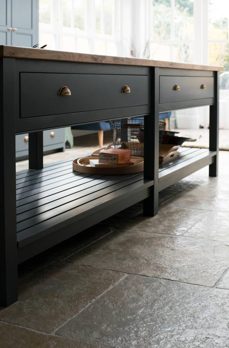 The Hampton Court Kitchen:  Kitchen by Floors of Stone Ltd