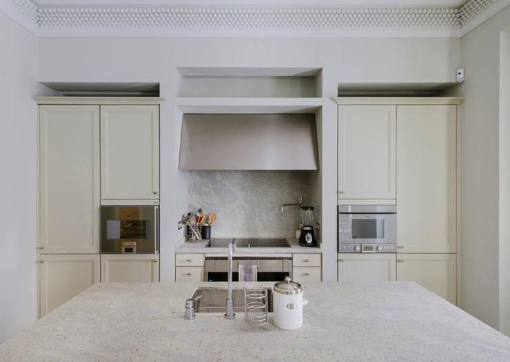 Vivienda zona Justicia, Madrid : Cocinas de estilo  de nimú equipo de diseño