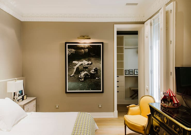 Vivienda zona Justicia, Madrid : Dormitorios de estilo clásico de nimú equipo de diseño