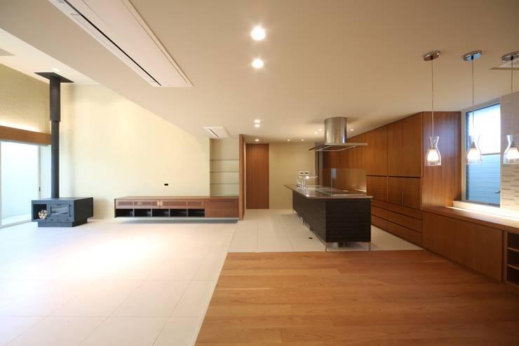 HOME-KS モダンな キッチン の atelier raum モダン