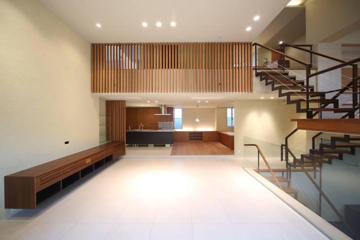 HOME-KS モダンデザインの ダイニング の atelier raum モダン