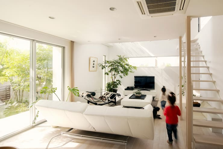 Ruang Keluarga by H建築スタジオ
