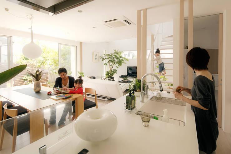 キッチン・ダイニング: H建築スタジオが手掛けたキッチンです。