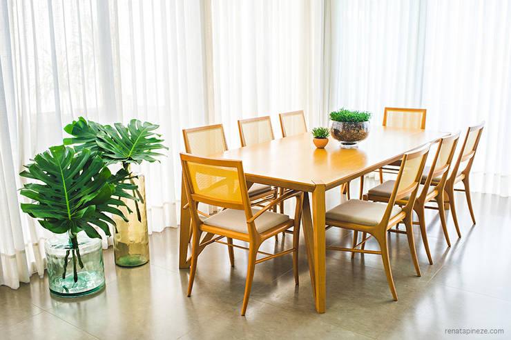 Dining room by Rafaela Dal'Maso Arquitetura