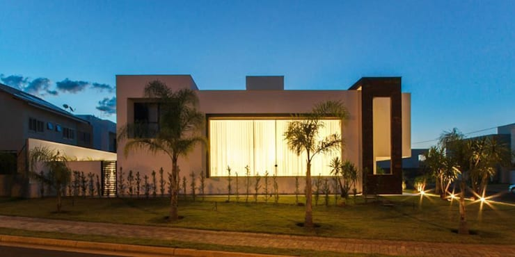 modern Houses by Tony Santos Arquitetura