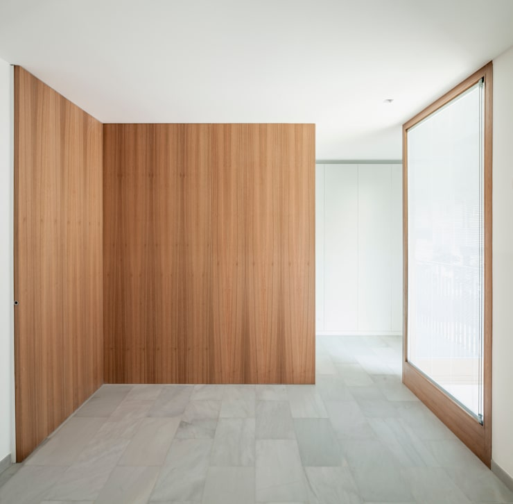 Walls by Alventosa Morell Arquitectes, Minimalist