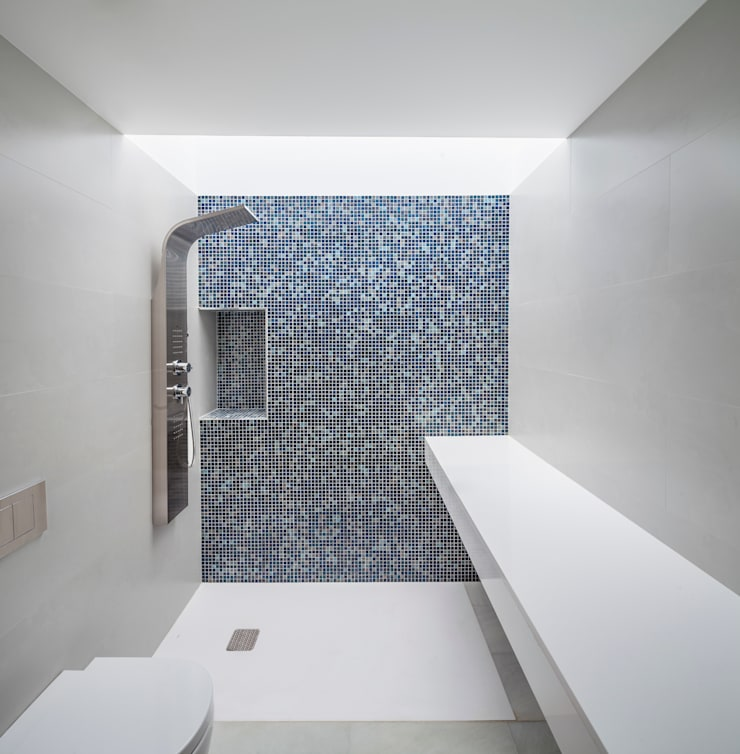 Casa CP: Baños de estilo  de Alventosa Morell Arquitectes