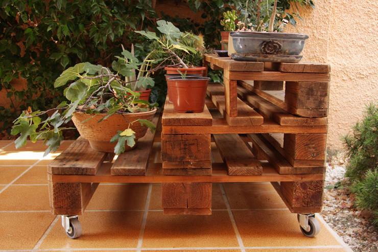 Jardín de estilo  por ECOdECO Mobiliario