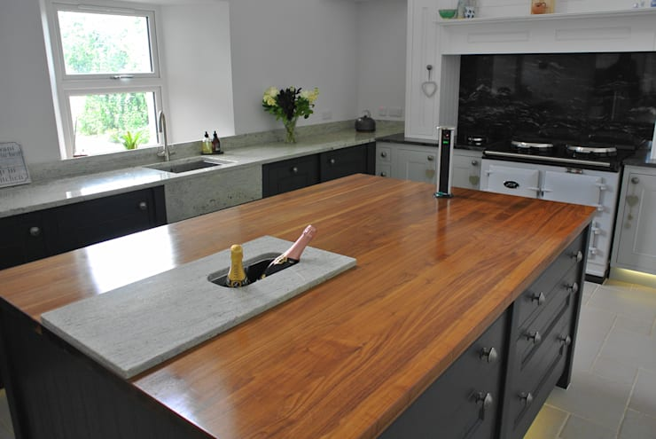 Painted Fitted Kitchen :  Kitchen by Glenlith Interiors (Scotland) Ltd