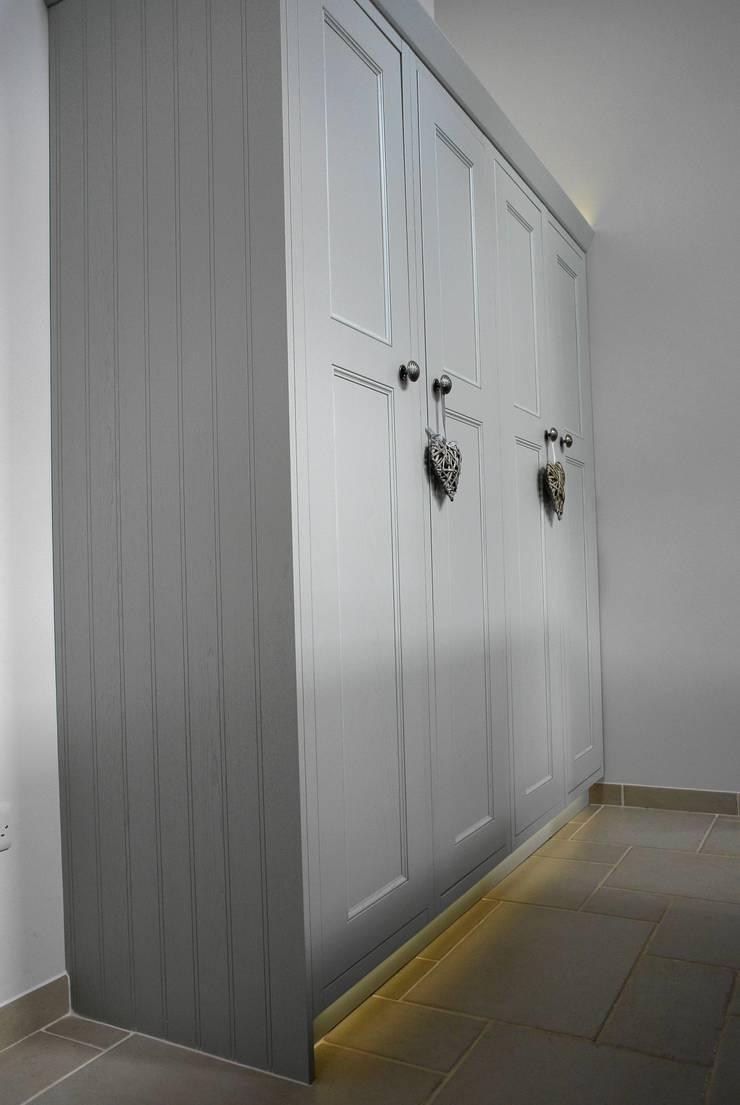 Bespoke Painted Kitchen, Elgin, Moray, Scotland UK:  Kitchen by Glenlith Interiors (Scotland) Ltd