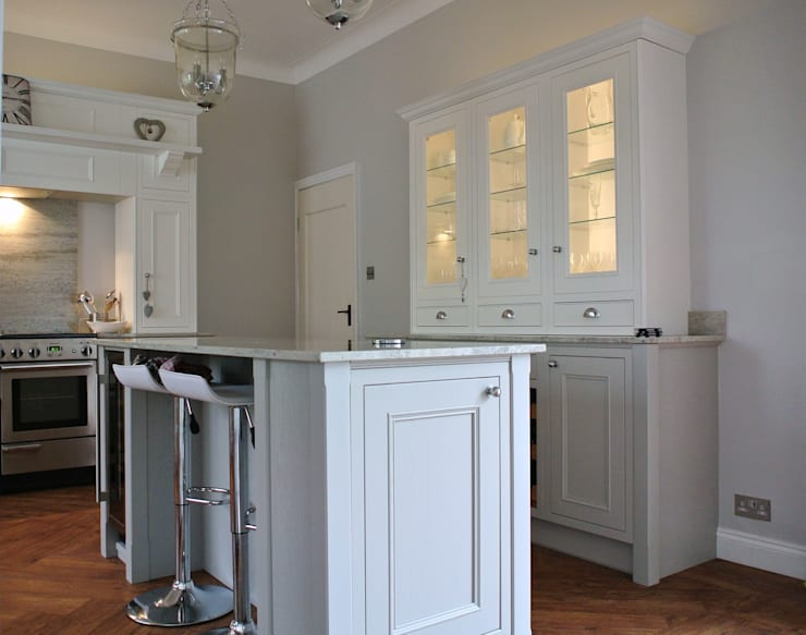 Cocinas de estilo  por Glenlith Interiors (Scotland) Ltd