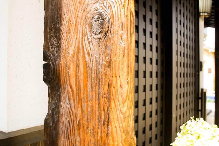 囲炉裏のある家: 灯和屋(株式会社シェアスタイル)が手掛けたです。