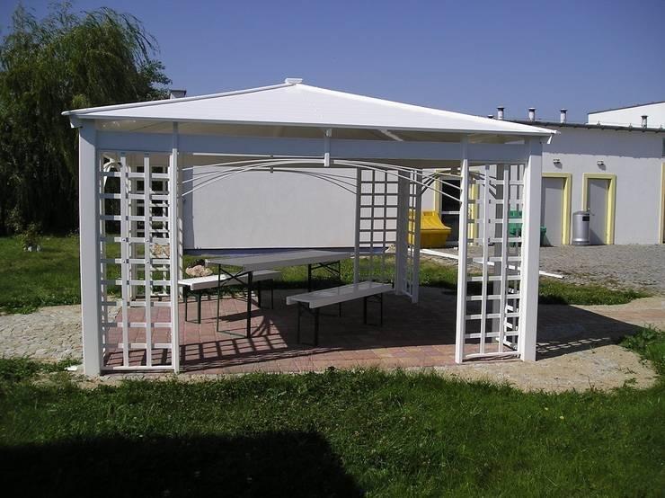 Altana ogrodowa PCV: styl , w kategorii Ogród zaprojektowany przez Ogrodzenia PCV,