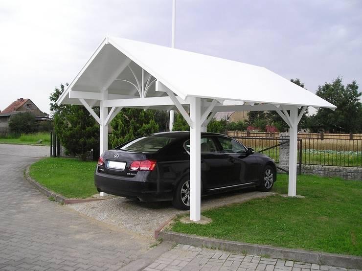 Wiata samochodowa PCV: styl , w kategorii Garaż zaprojektowany przez Ogrodzenia PCV