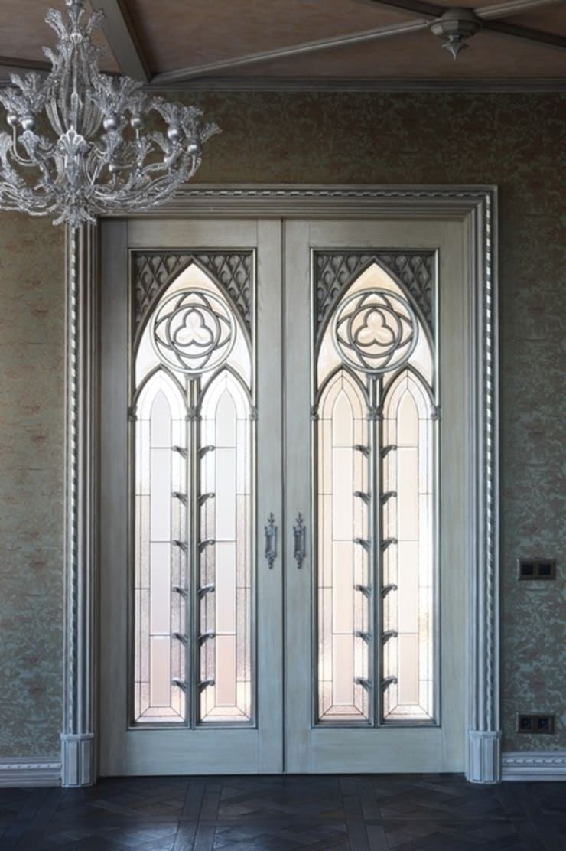 Puertas y ventanas de estilo  por Студия Анны Куликовой и Павла Миронова,