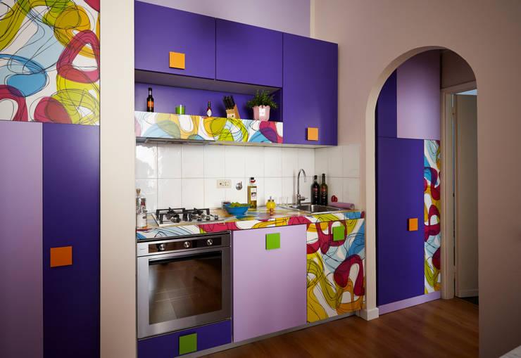 Cozinhas modernas por Diciassette Tredici