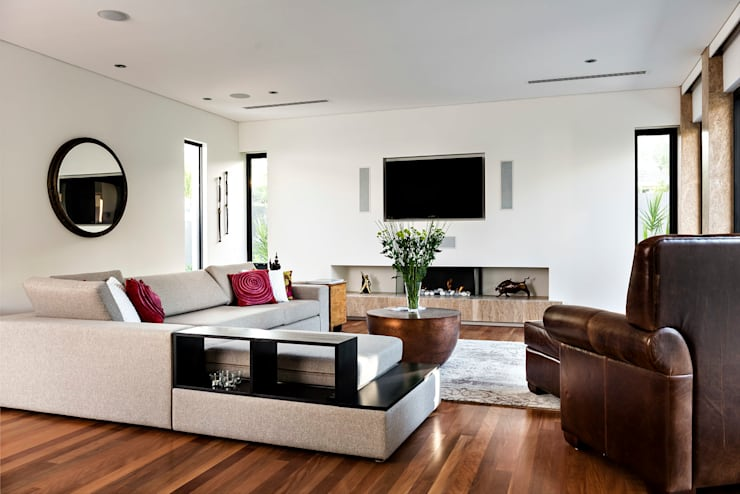 Living room by Moda Interiors
