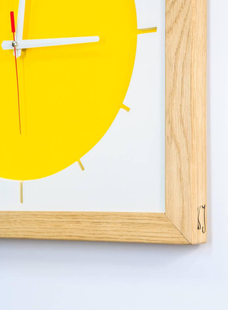 """Duży zegar """"Słońce"""": styl , w kategorii Jadalnia zaprojektowany przez Meble Autorskie Jurkowski"""