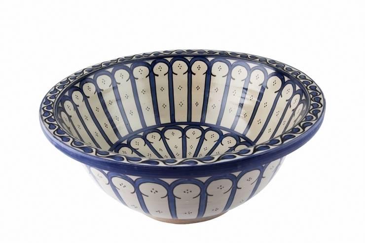 Musila - Wzorzysta umywalka z Maroka: styl , w kategorii Łazienka zaprojektowany przez Kolory Maroka