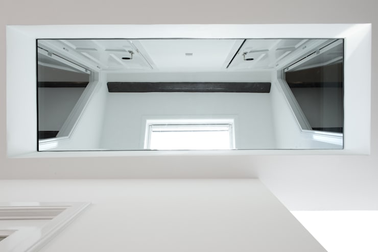 Renovatie appartement te Amsterdam:  Gang en hal door Kodde Architecten bna, Modern