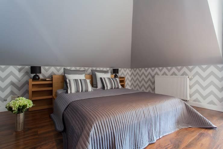 klasieke Slaapkamer door Sceny Domowe