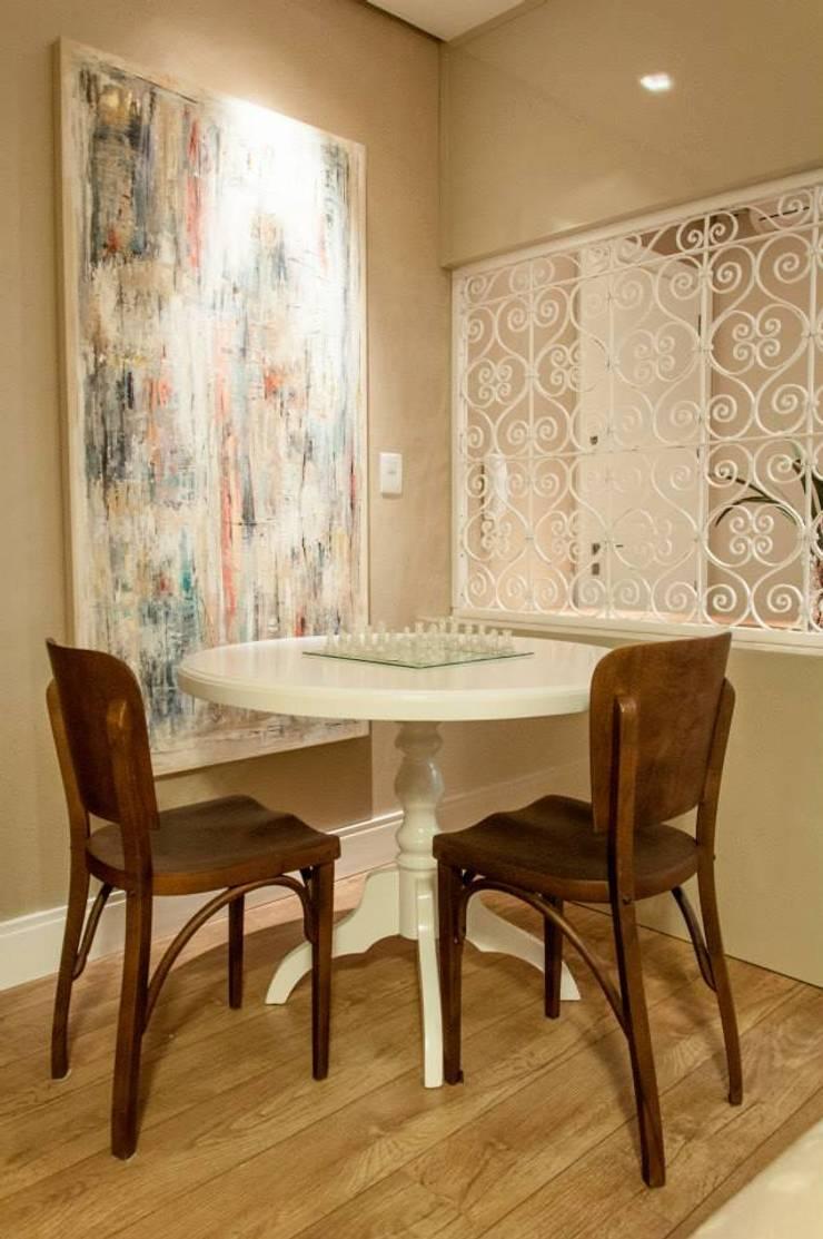 Residencial 29: Salas de jantar  por Apê 102 Arquitetura