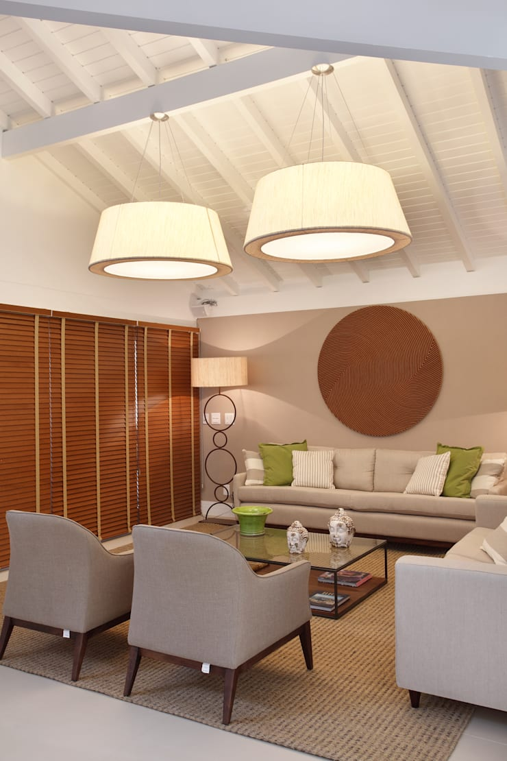 Sala de estar: Salas de estar modernas por Amanda Miranda Arquitetura