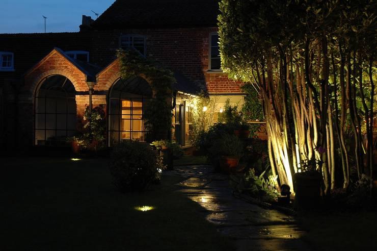 Mount Pleasant, Norwich:  Garden by Studio Urban Blu