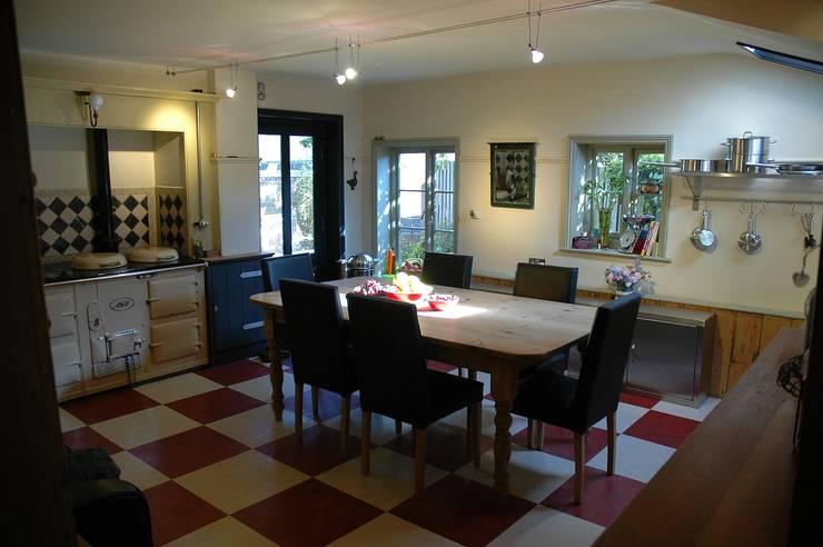Mount Pleasant, Norwich:  Dining room by Studio Urban Blu