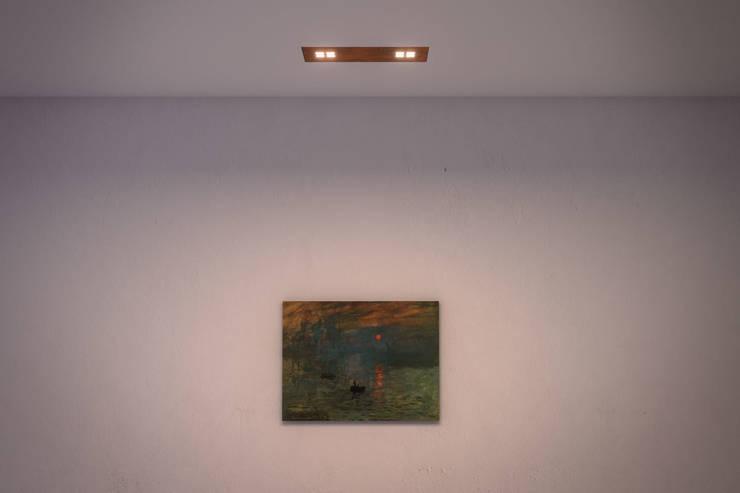 ZEN 2: Soggiorno in stile in stile Moderno di Ailis Lighting Solutions