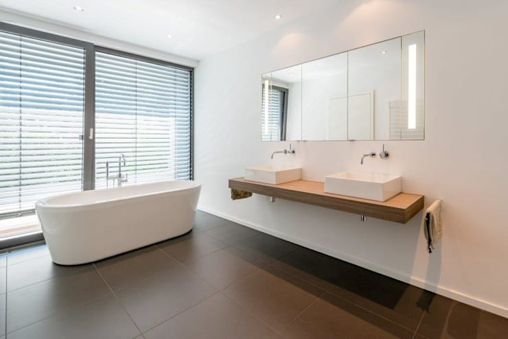 minimalistic Bathroom by K6architekten
